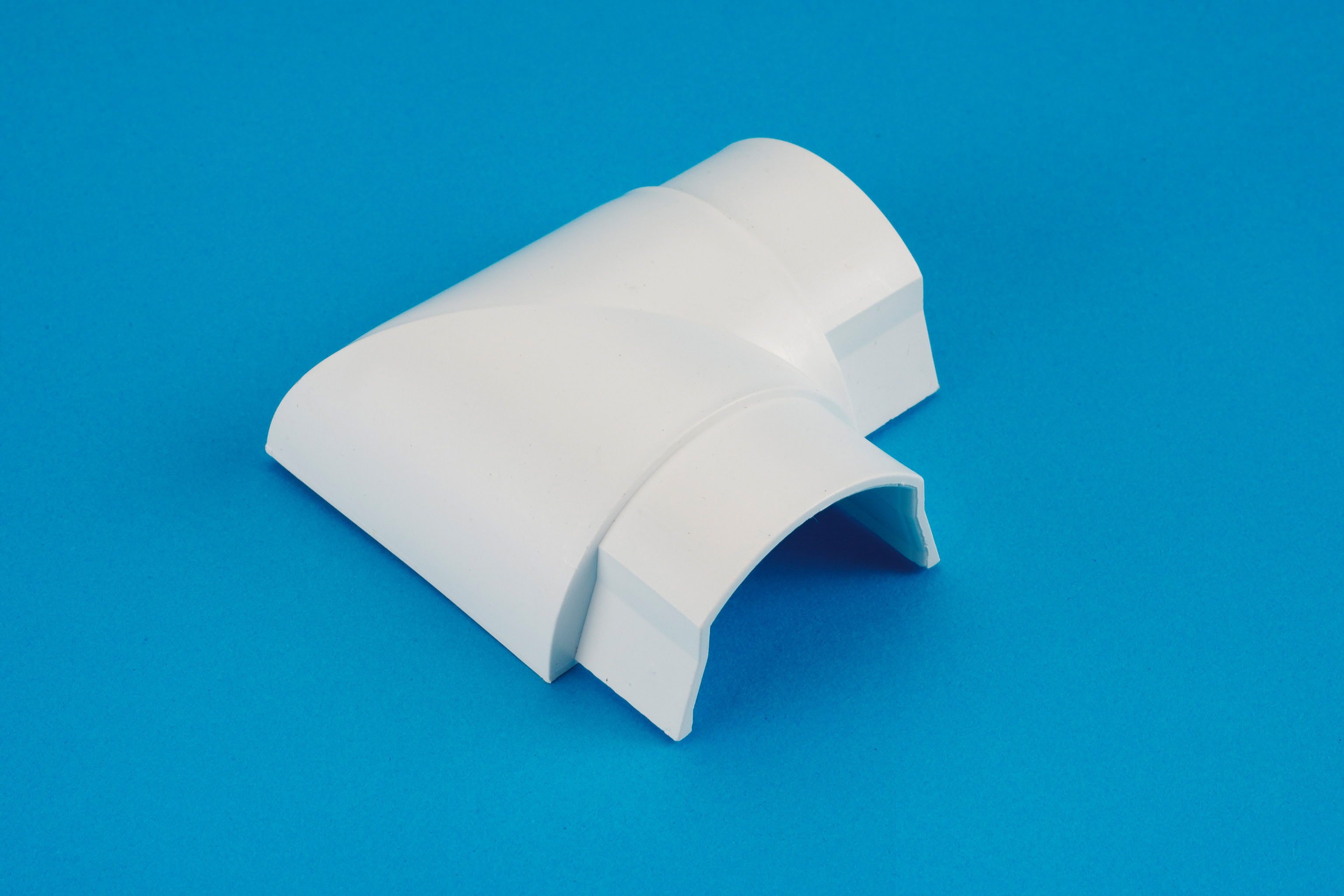 50 x 25mm Smooth-fit Flat Bend White