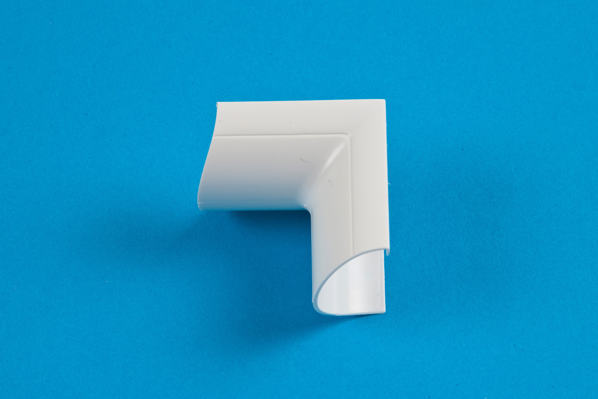 30 x 15mm Clip-Over Internal Bend White