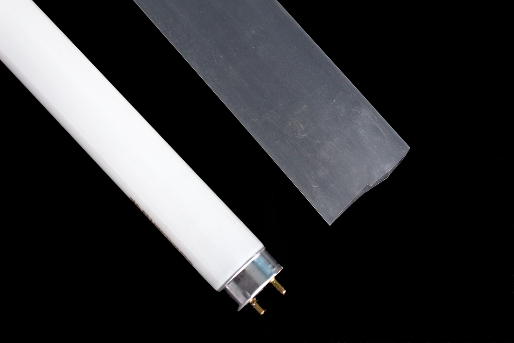 ITUV Shatterproof Fluorescent Light Sleeving for Glass-Free Area - size 29/16 [Lamptype T8]