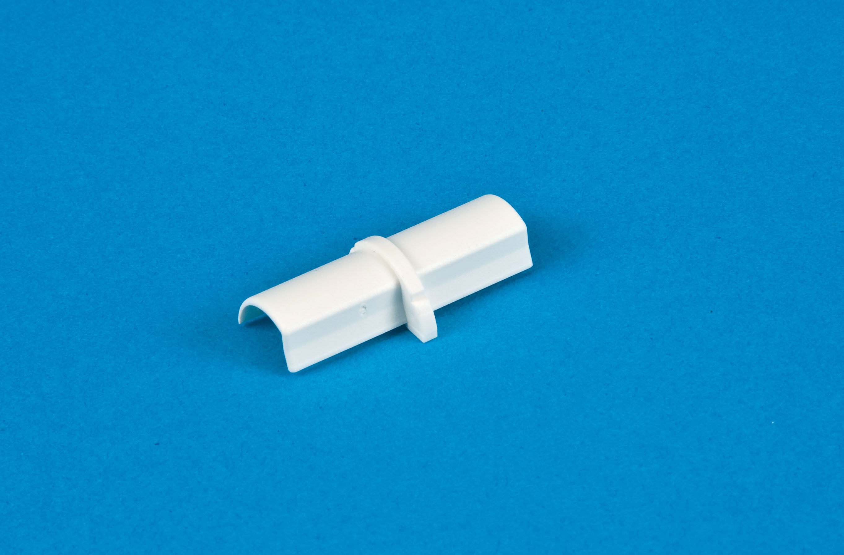 16 x 8mm Smooth-fit Connector White