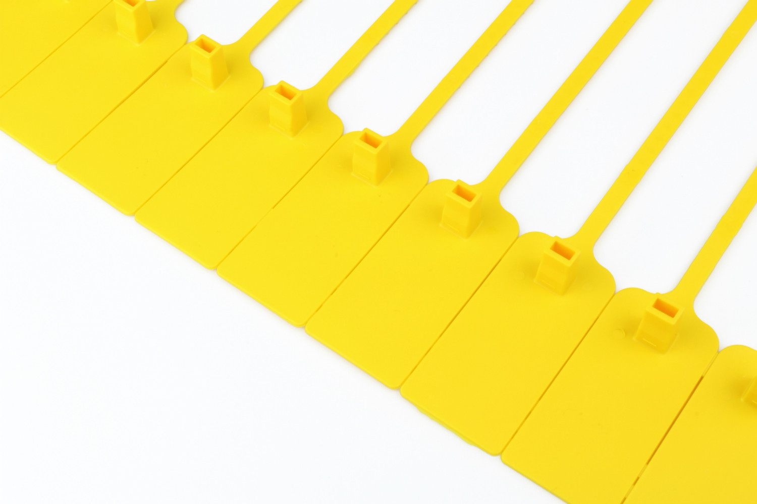 Tracewaste Pull Through Seals - Yellow 100 pieces