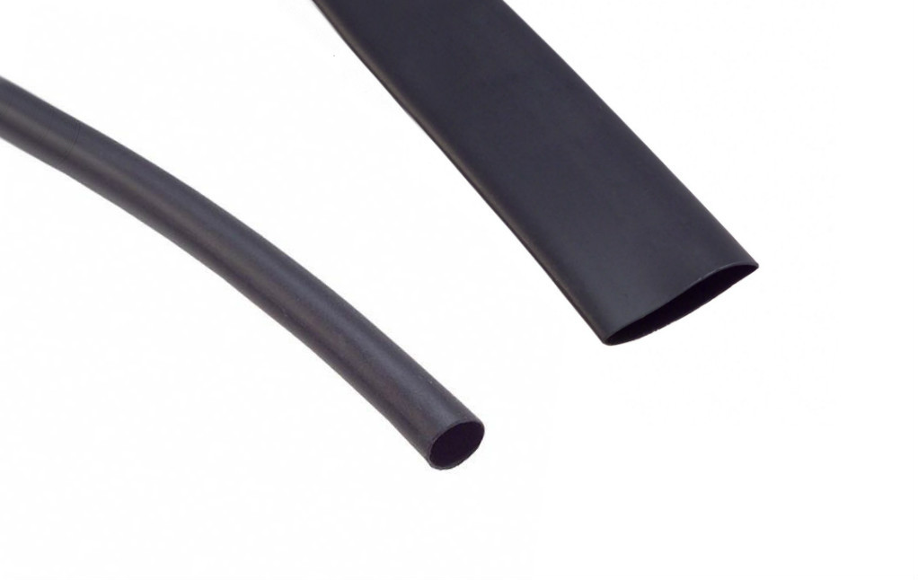 "VERSAFIT - Highly Flame-Retardant Heat Shrink Tubing Size 3/32"" Black (2.4mm down to 1.2mm)"