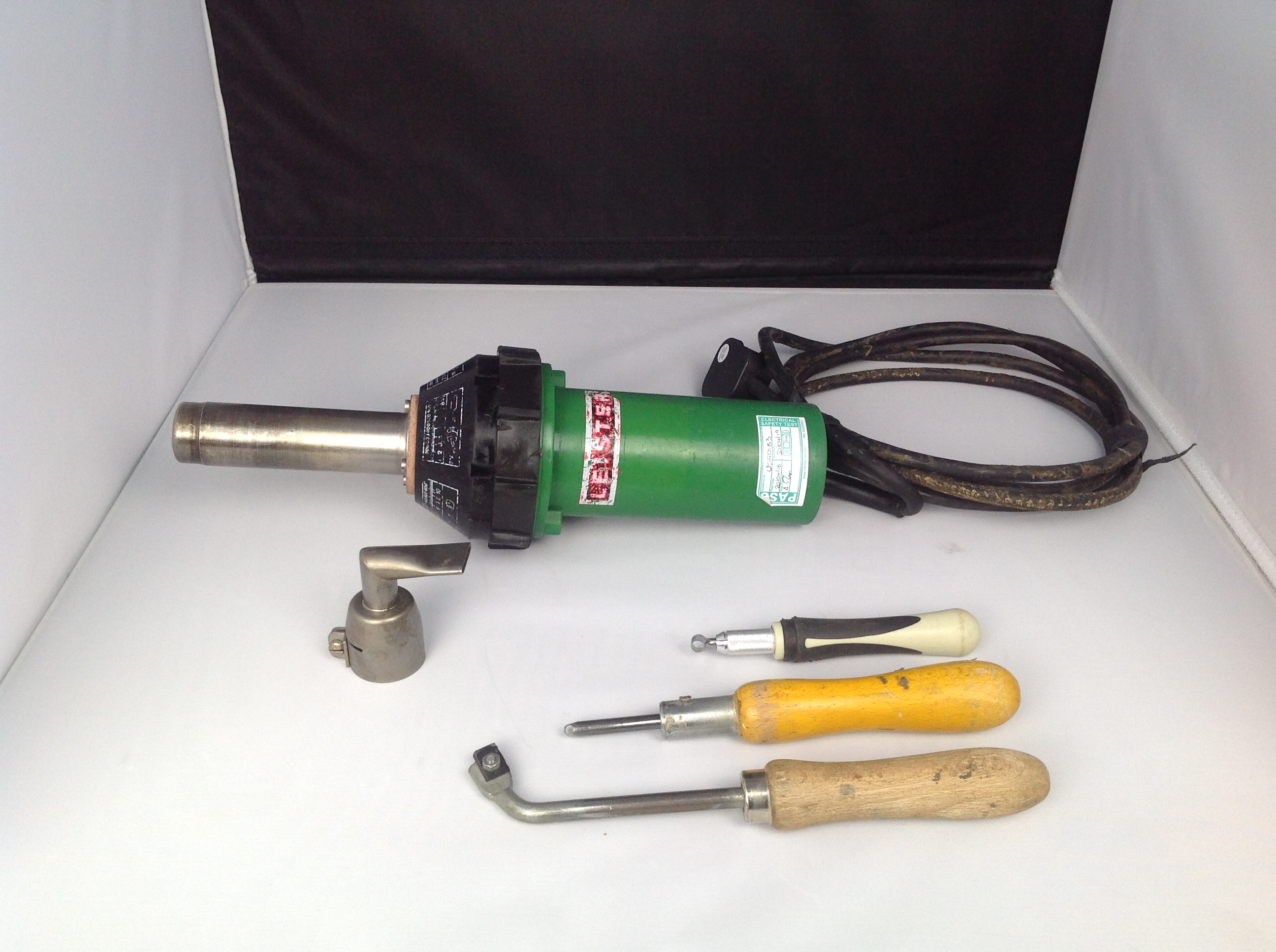 Used Leister Triac S 240v Hot Air Heat Gun With Nozzles